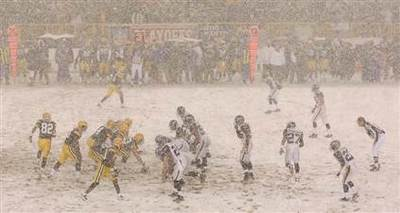 080112-packers-snow-hmed-5p_h2.jpg