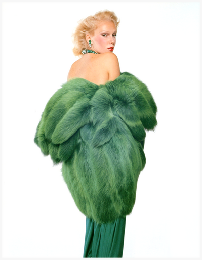susan-robinson-in-dyed-green-fox-fur-coat-photo-by-gian-paolo-barbieri.png